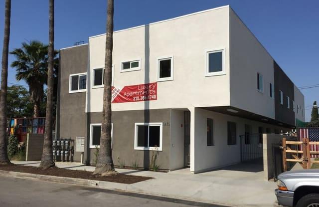 5425 Denny Ave - 5425 Denny Avenue, Los Angeles, CA 91601