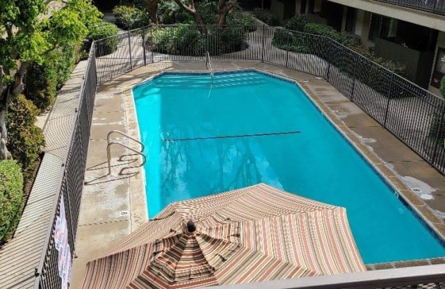 Newcastle Towers Apartments - 5415 Newcastle Ave, Los Angeles, CA 91316