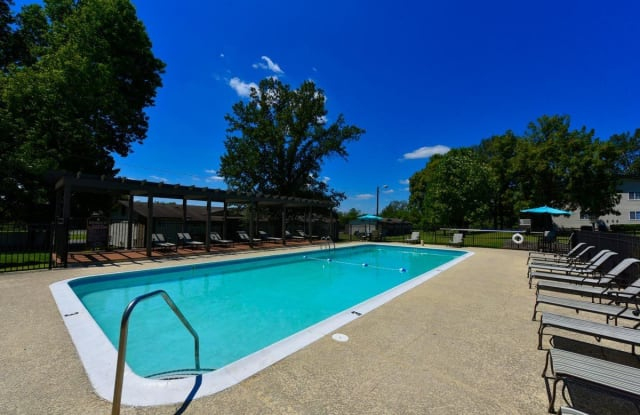 Brookhaven Apartment Homes - 625 Greenwave Drive, Gallatin, TN 37066