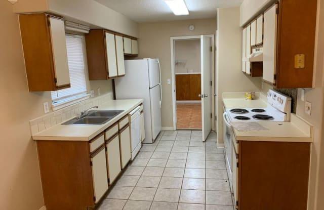 1633 Twin Oak Dr E - 1633 Twin Oak Drive East, Lakeside, FL 32068