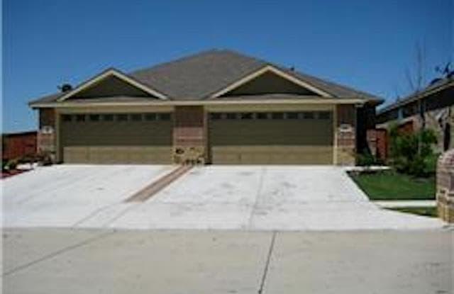 363 Armstrong Lane - 363 Armstrong Lane, Lavon, TX 75166