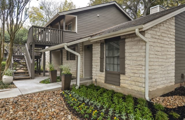 Settler's Creek Apartments - 8001 W Highway 71, Austin, TX 78735