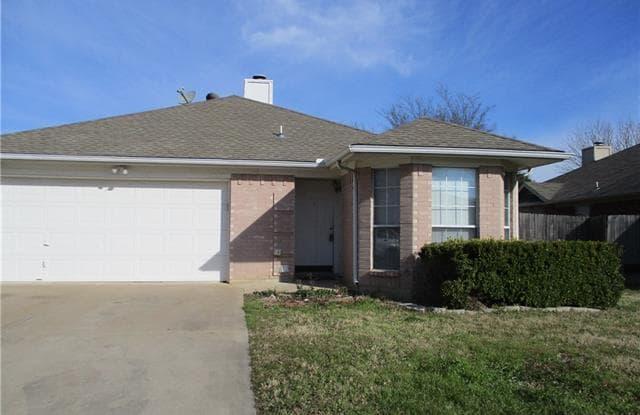 2803 MONTHAVEN Drive - 2803 Monthaven Drive, Arlington, TX 76001