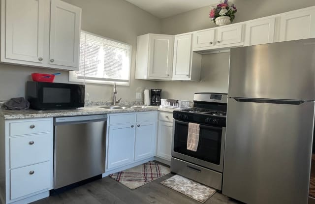 2094 W 34th Pl - 2094 West 34th Place, Cleveland, OH 44113