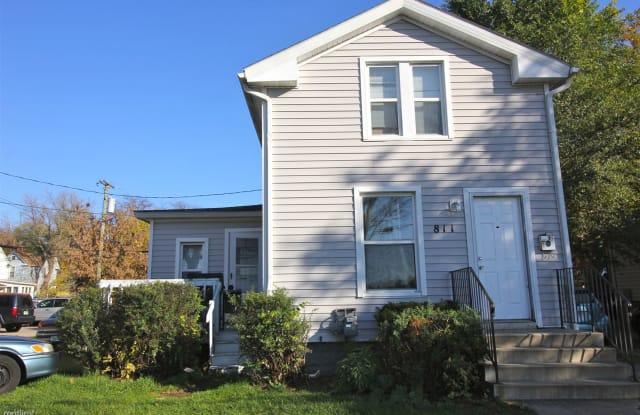 811 S Division St - 811 South Division Street, Ann Arbor, MI 48104