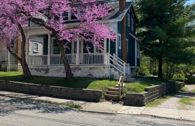 145 Warner St - 145 Warner Street, Cincinnati, OH 45219