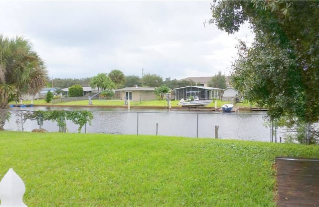 275 14th Place - 275 14th Place, Vero Beach South, FL 32960