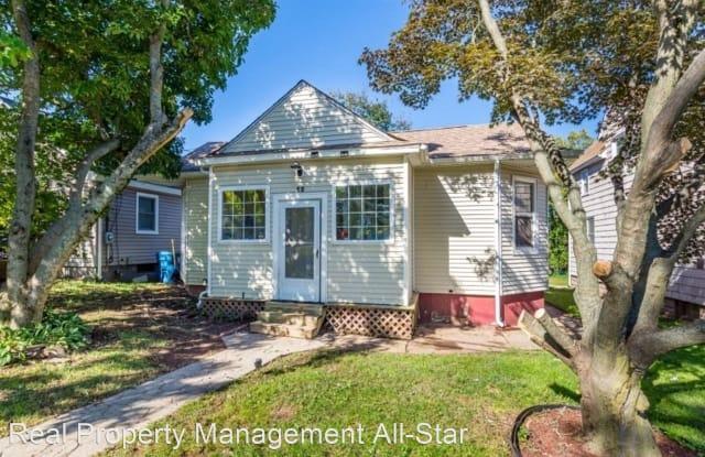 12 Hillcrest Avenue Front Apartment - 12 Hillcrest Avenue, Somerset, NJ 08873
