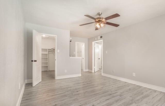 Westridge Gardens - 2501 Westridge St, Houston, TX 77054