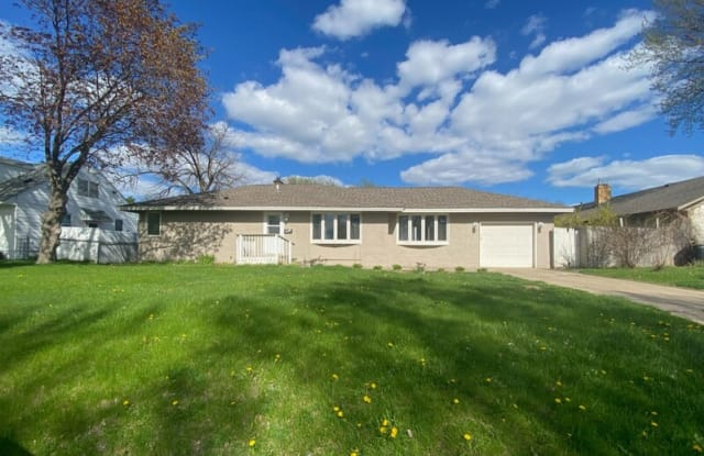 508 3rd Ave NW - 508 3rd Avenue Northwest, Osseo, MN 55369
