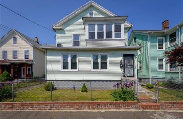 137 Deacon Street - 137 Deacon Street, Bridgeport, CT 06607