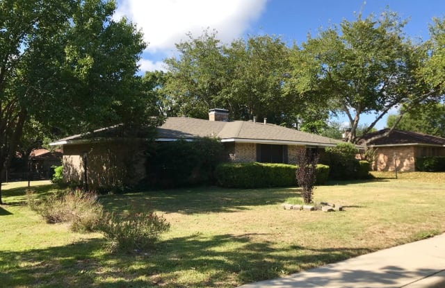 220 Bailey - 220 Bailey Drive, DeSoto, TX 75115