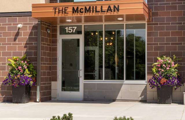 McMillan Apartments - 157 Grass Lake Place, Shoreview, MN 55126