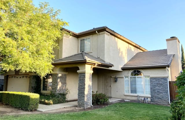 9834 N Whitney Ave - 9834 North Whitney Avenue, Fresno, CA 93720