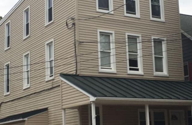 7 South Main Street - 7 South Main Street, Stewartstown, PA 17363
