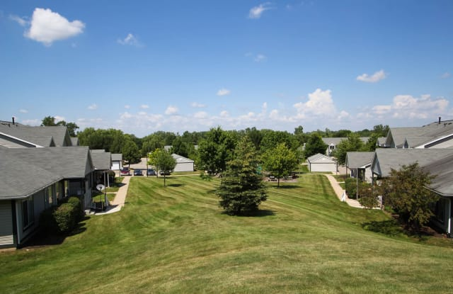 Hidden Creek Apartments - 1513 Hidden Creek Circle NE, Grand Rapids, MI 49505