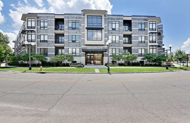 Aston Place - 111 W 3rd Ave, Columbus, OH 43201