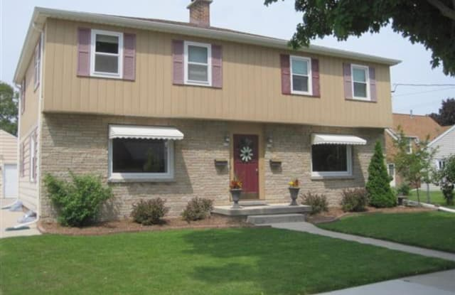 610 South 33rd Street - 610 South 33rd Street, Manitowoc, WI 54220