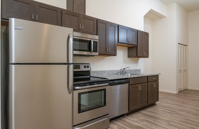 Midtown Apartments - 513 East 16th Street, Vancouver, WA 98663