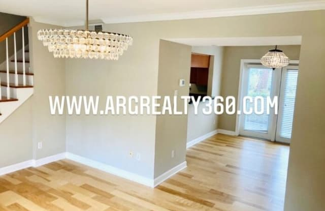 6940 Roswell Road - 6940 Roswell Rd, Sandy Springs, GA 30328