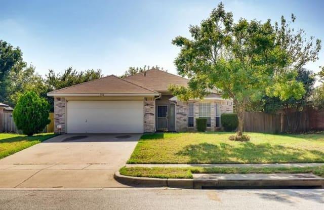 1112 Miles Avenue - 1112 Miles Avenue, Burleson, TX 76028