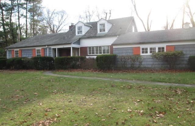 164 Wildwood Road - 164 Wildwood Road, Kings Point, NY 11024