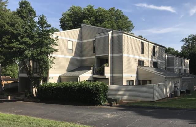 1625  Merry Oaks Rd - 1625 Merry Oaks Road, Charlotte, NC 28205