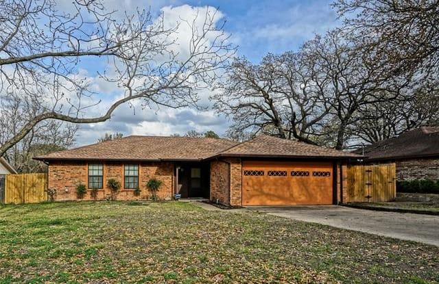 920 Rosebud Drive - 920 Rosebud Drive, Azle, TX 76020
