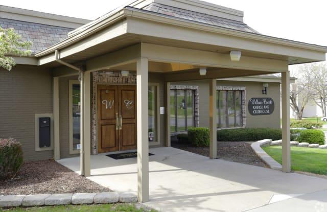 Willow Creek Apartments - 201 W 99th Ter, Kansas City, MO 64114