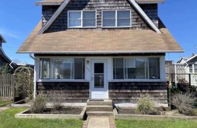 649 Ocean Breeze - 649 Ocean Breeze Walk, Ocean Beach, NY 11770