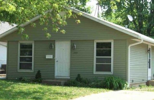 1713 Hebron Avenue - 1713 Hebron Avenue, Zion, IL 60099