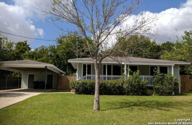 2746 MAPLE TREE RD - 2746 Maple Tree Road, New Braunfels, TX 78130