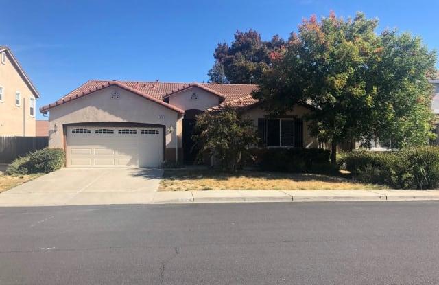 524 Christine Drive - 524 Nut Tree Court, Vacaville, CA 95687