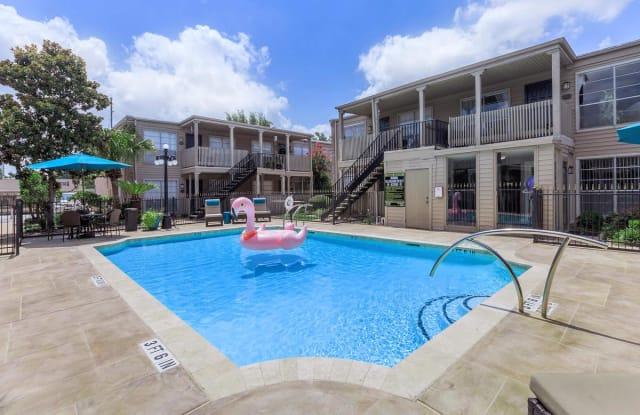 The Lenox Apartment Homes - 6014 Winsome Ln, Houston, TX 77057