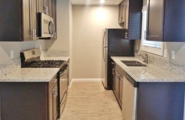 Fairway Estates Apartments - 1155 W Center St, Manteca, CA 95337