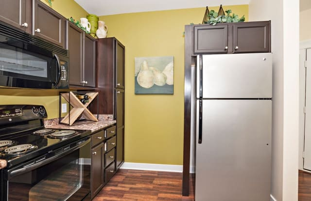 The Fort Apartments - 9230 Memorial Park Dr#1, Indianapolis, IN 46216