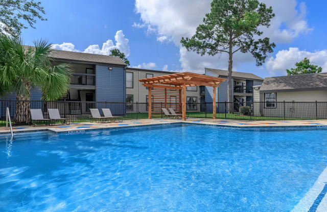 The Grove at Pinemont - 7200 Pinemont Dr, Houston, TX 77040