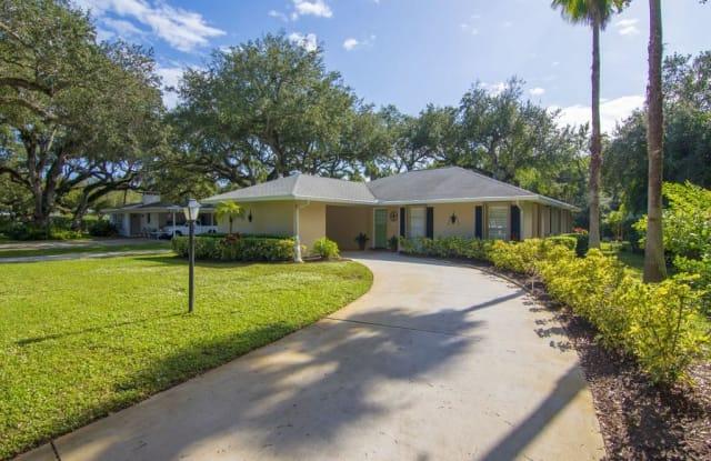 466 Date Palm Road - 466 Date Palm Road, Vero Beach, FL 32963