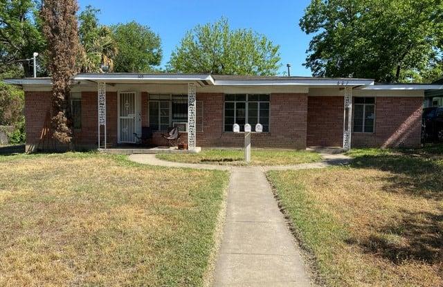 607 E CARSON ST - 607 East Carson Street, San Antonio, TX 78208