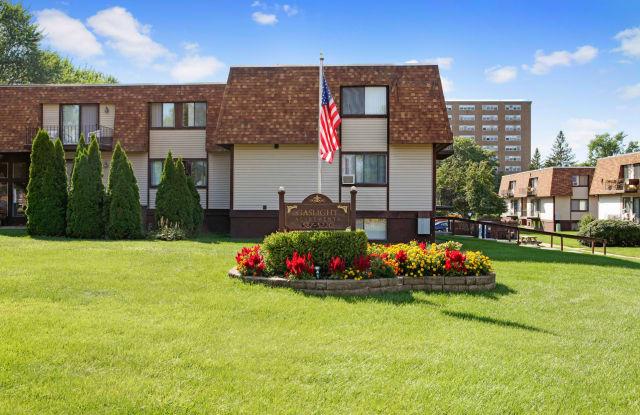 Gaslight Apartments - 69 Hamilton St, Saratoga Springs, NY 12866