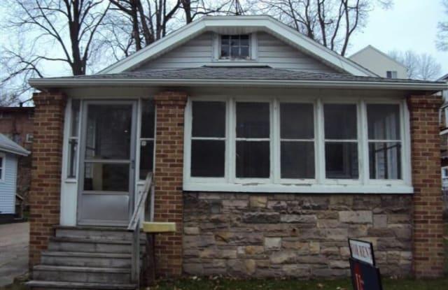 132 Fuller Ave. NE - 132 Fuller Avenue Northeast, Grand Rapids, MI 49503