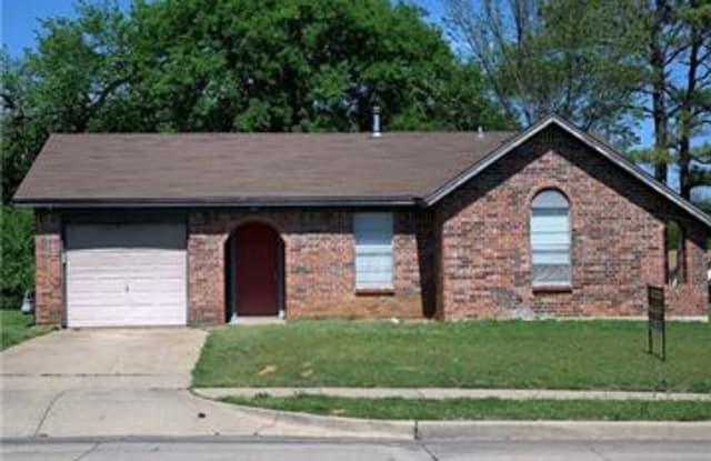 600 Renfro Street NW - 600 Northwest Renfro Street, Burleson, TX 76028
