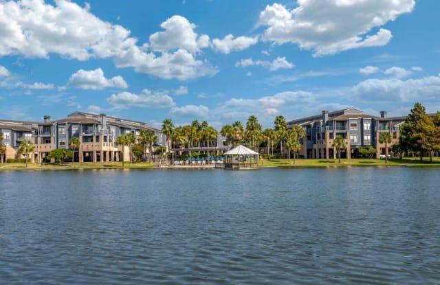 Hidden Lake Apartment Homes (Houston) - 900 Henderson Ave, Webster, TX 77058