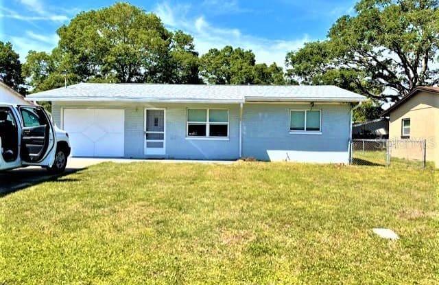 5815 60TH AVENUE N - 5815 60th Avenue North, West Lealman, FL 33709