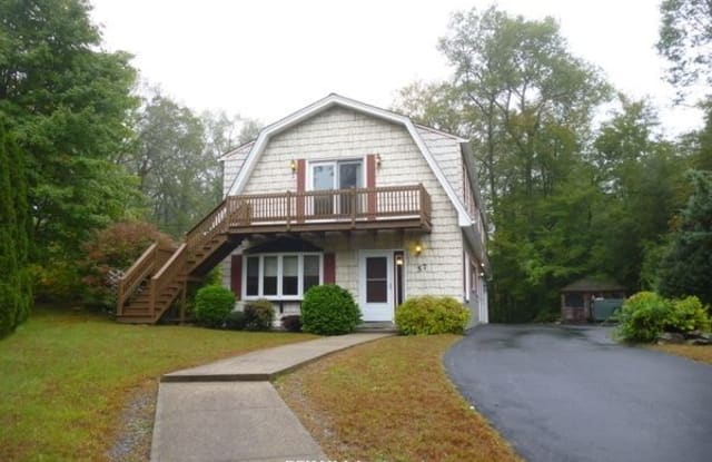 75 Carousel Dr - 75 Carousel Drive, Worcester County, MA 01527