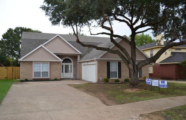 1346 Middleton Dr - 1346 Middleton Drive, Cedar Hill, TX 75104