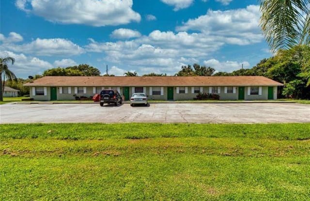 570 13th Place - 570 13th Place, Vero Beach South, FL 32960