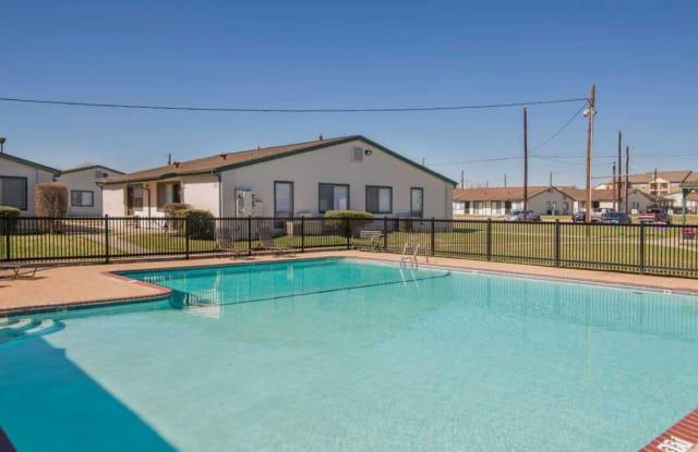 Cottage Creek I - 4830 Ray Bon Dr, San Antonio, TX 78218