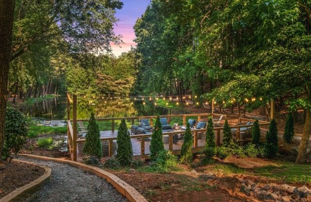 Preserve at Dunwoody - 8600 Roberts Dr, Atlanta, GA 30350