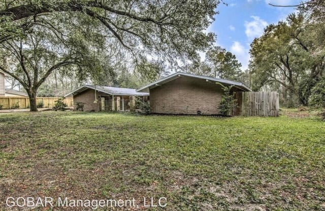 809 Brook Hollow Dr - 809 Brook Hollow Drive, Montgomery County, TX 77385